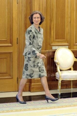 Reina Sofia a su llegada al salón